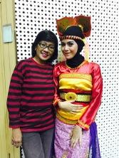 Guru menari dan guru kehidupan, Bu Ning :)