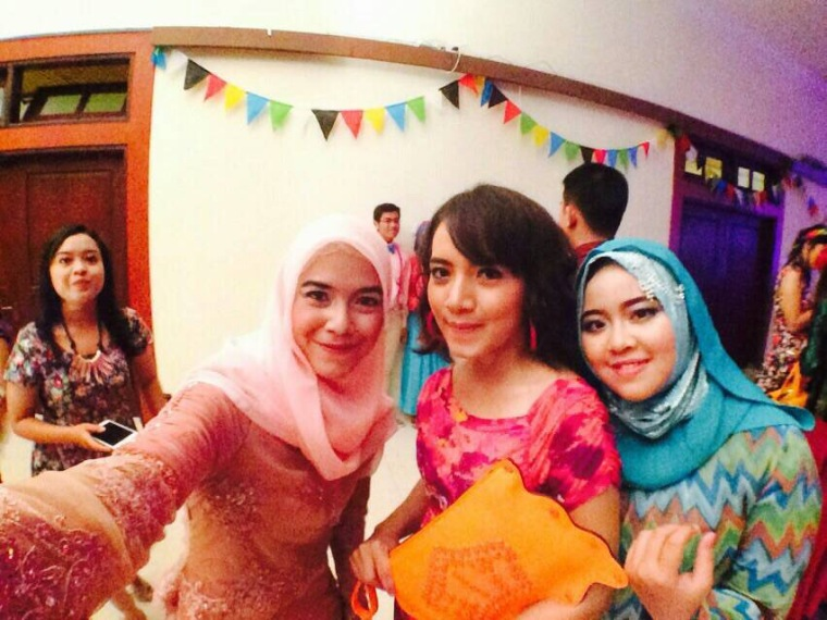 with my very bestfriend, Laras and Ami